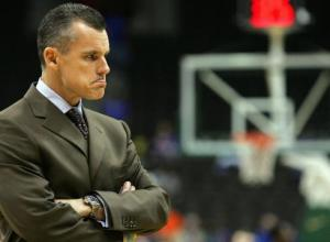Floridas-Billy-Donovan-signs-three-year-extension-73NIEO3-x-large