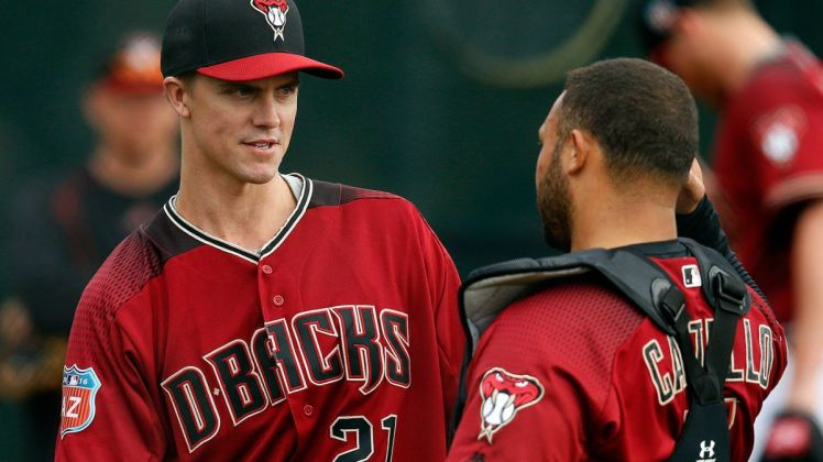 mlb-dbacks-zack-greinke-welington-castillo-021916.vresize.1200.675.high.1.jpg
